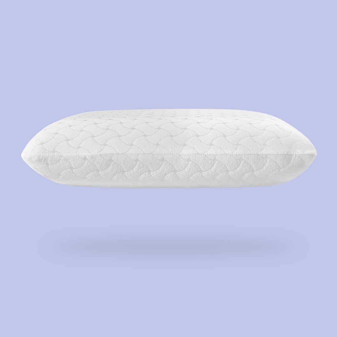 Подушка ортопедическая на лиловом фоне